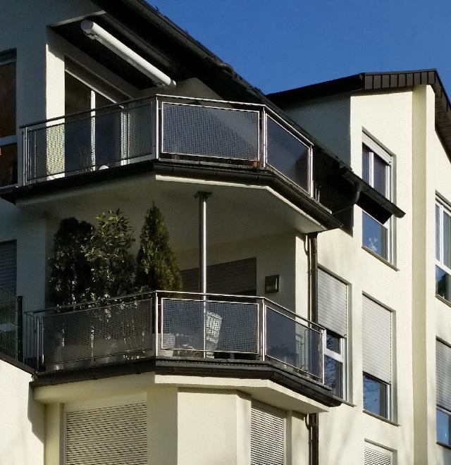 neues balkon gel nder in essen werden nappenfeld. Black Bedroom Furniture Sets. Home Design Ideas