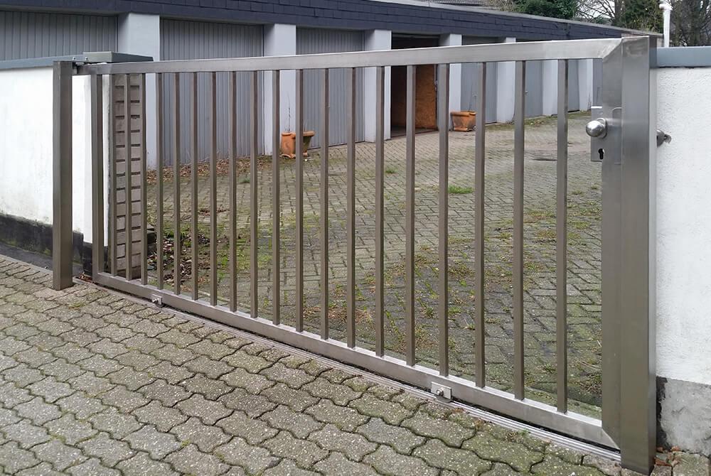 Neues Edelstahltor In Mulheim Nappenfeld Edelstahl Schlosserei In