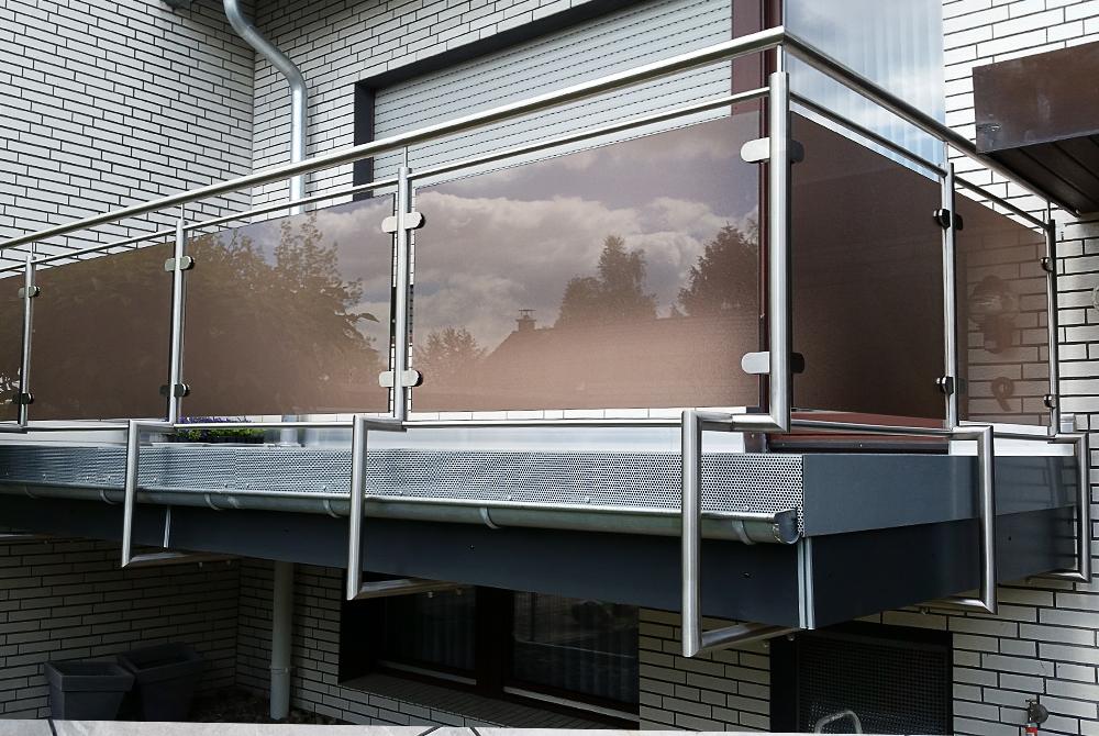 balkonverkleidung mit parsolglas nappenfeld edelstahl. Black Bedroom Furniture Sets. Home Design Ideas