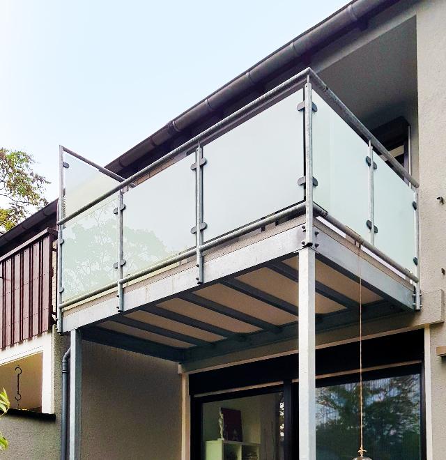 neue balkonanlage in duisburg nappenfeld edelstahl schlosserei in m lheim an der ruhr. Black Bedroom Furniture Sets. Home Design Ideas