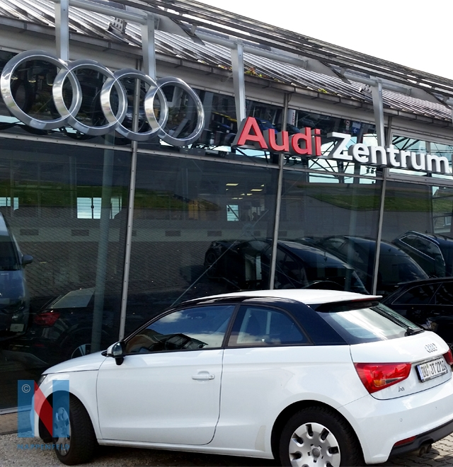 Für die Audi-Autohäuser in Duisburg und Mülheim an der Ruhr fertigte die Edelstahlschlosserei Nappenfeld aus Mühlheim neue Werbeschilder an
