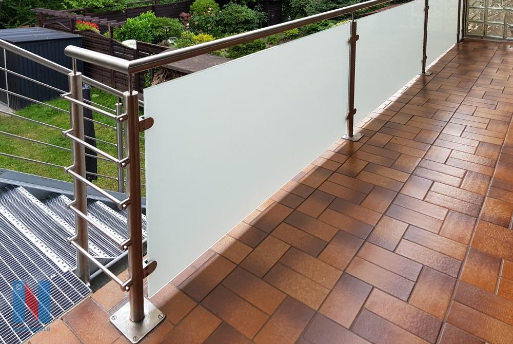 In Mülheim fertigte die Edelstahlschlosserei Nappenfeld eine neue verzinkte Balkonanlage in Kombination mit einer Treppe