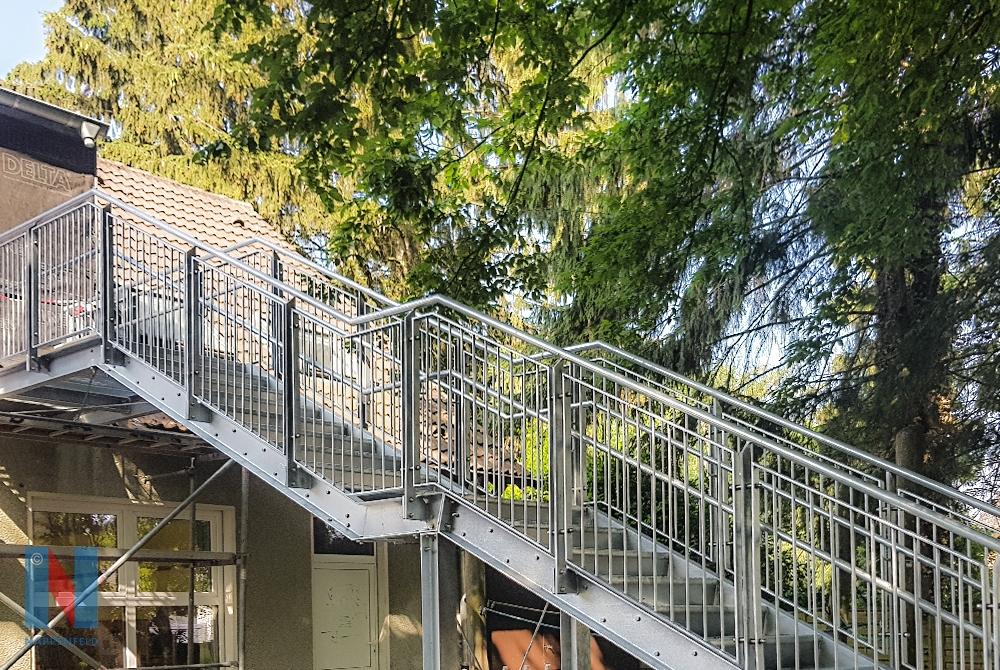 In Mülheim-Heißen realisierte die Edelstahlschlosserei Nappenfeld eine neue Treppe als Fluchtweg für eine KiTa