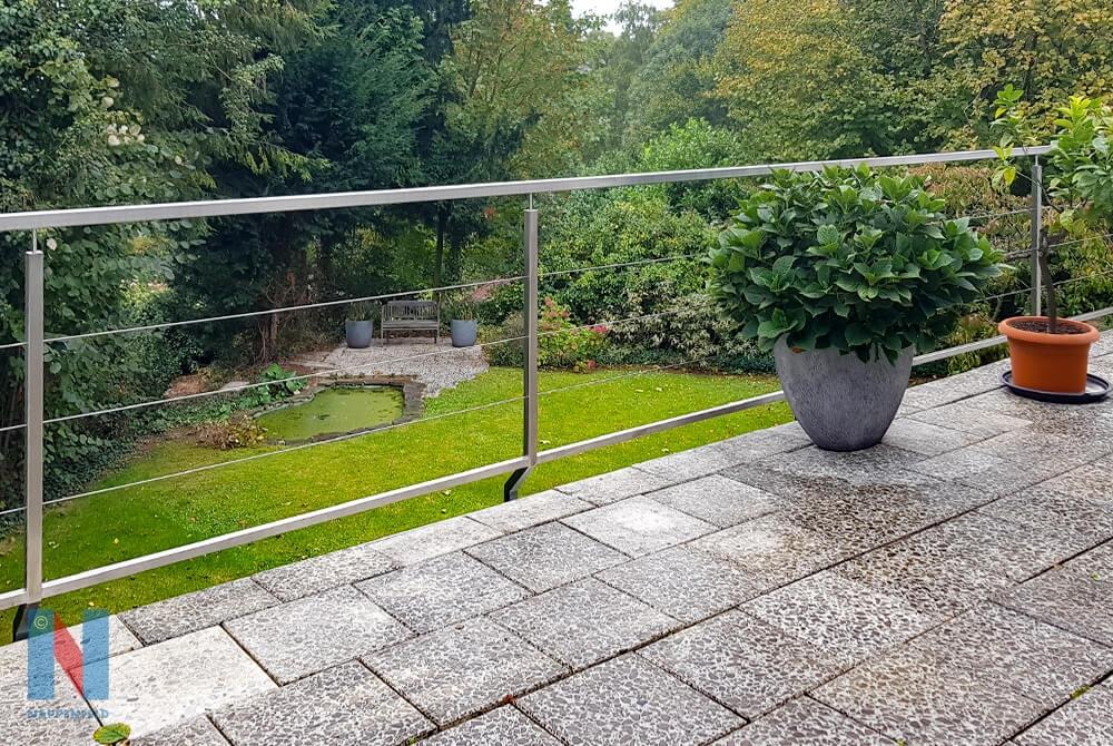 Geländer: 23 m Edelstah, realisiert von der Edelstahlschlosserei Nappenfeld aus Mühlheim