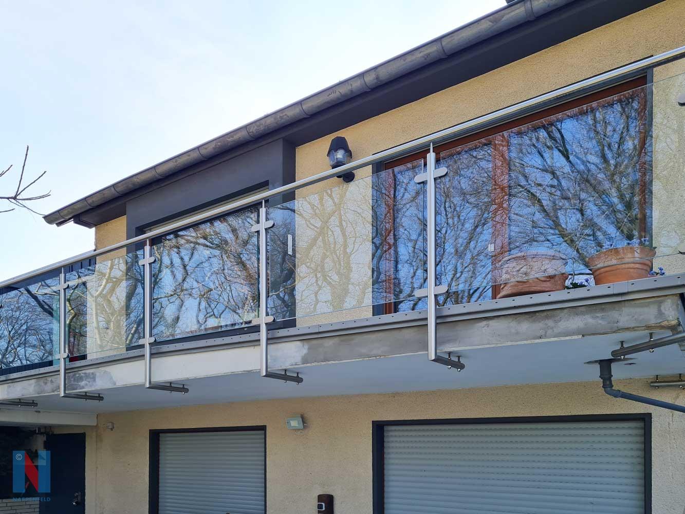 Edelstahlgeländer für MFH in Essen, gebaut und umgesetzt von der Edelstahlschlosserei Nappenfeld aus Mülheim