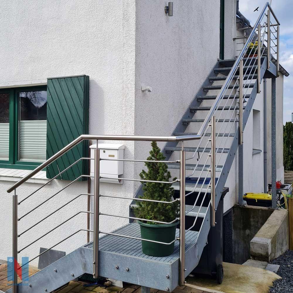 Unsere Metallbauer bauen Fluchtwege in Essen, gebaut und umgesetzt von der Edelstahlschlosserei Nappenfeld aus Mülheim