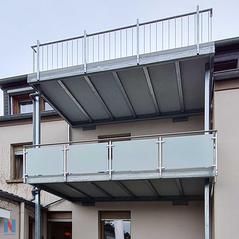 Besonderer Balkonbau in Essen, gebaut und umgesetzt von der Edelstahlschlosserei Nappenfeld aus Mülheim