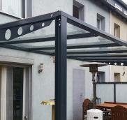 In Essen-Kray hat die Edelsctahlschlosserei Nappenfeld aus Mühlheim eine 6 m x 3 m große Terrassenüberdachung entworfen, gefertigt und montier