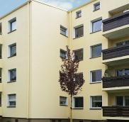 Für die Wohnungsbau AG Duisburg realisierte die Edelstahlschlosserei Nappenfeld aus Mühlheim neue Balkon-Geländer und Verkleidungen für insgesamt 16 Einheiten