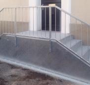 Die Edelstahlschlosserei Nappenfeld aus Mühlheim fertigte für ein Einfamilienhaus einen neuen Treppenaufgang