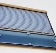 Die Edelstahlschlosserei Nappenfeld aus Mühlheim konstruierte neue Glasfenstergitter für ein freistehendes Einfamilienhaus in Ratingen-Hösel.