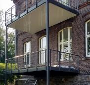 Neue Balkonanlage in Essen, geplant und gebaut von der Edelstahlschlosserei Nappenfeld aus Mühlheim