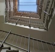 Großes Projekt für Wohnungsunternehmen, die gesamten Geländer-Konstruktionen sind vollständig von der Edelstahlschlosserei Nappenfeld aus Mühlheim hergestellt und nach statischen Erfordernissen geplant worden.