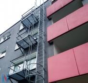 Die Edelstahlschlosserei Nappenfeld konstruierte eine neue Feuerleiter in verzinkter Ausführung für ein Mehrparteien-Haus in Mülheim