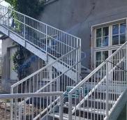 In Essen konstruierte die Edelstahlschlosserei Nappenfeld einen Fluchtweg für eine Kita