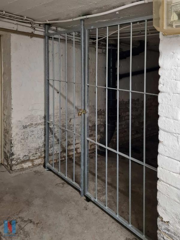 Neue Gittertüren in Oberhausen von der Edelstahlschlosserei Nappenfeld aus Mülheim, gebaut und umgesetzt