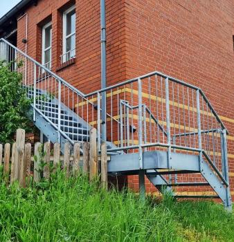 Treppenbau für den zweiten Rettungsweg!