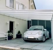 Eine große Carportanlage für eine Villa in Mülheim hat die Edelstahlschlosserei Nappenfeld geplant und realisiert