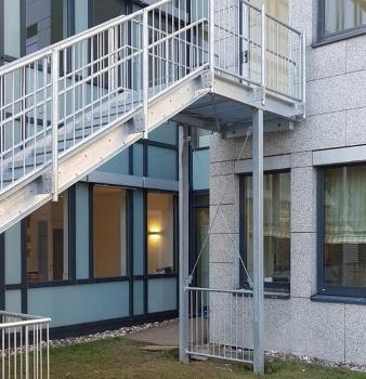 Neue Flucht-Treppe