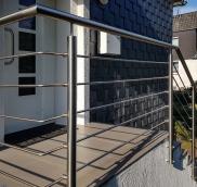 Nappenfeld, der Spezialist für Geländer-Konstruktionen aus Mühlheim, entwickelte und montierte einen Edelstahlaufgang an der Außentreppe eines Hauses in Mühlheim