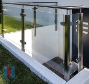 Neues Geländer in Mühlheim, entworfen, produziert und montiert von der Edelstahlschlosserei Nappenfeld aus Mühlheim
